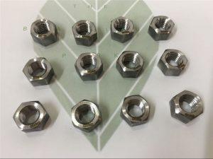 द्वैध 2205 A182 F51 UNS S31803 EN1.4462 हेक्स बोल्ट DIN933 बांधनेवाला पदार्थ