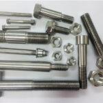 विभिन्न प्रकार के कस्टम निर्मित तांबे निकल फास्टनरों