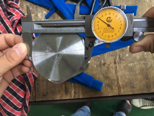 S31803 हेक्स कैप पेंच आयाम परीक्षण
